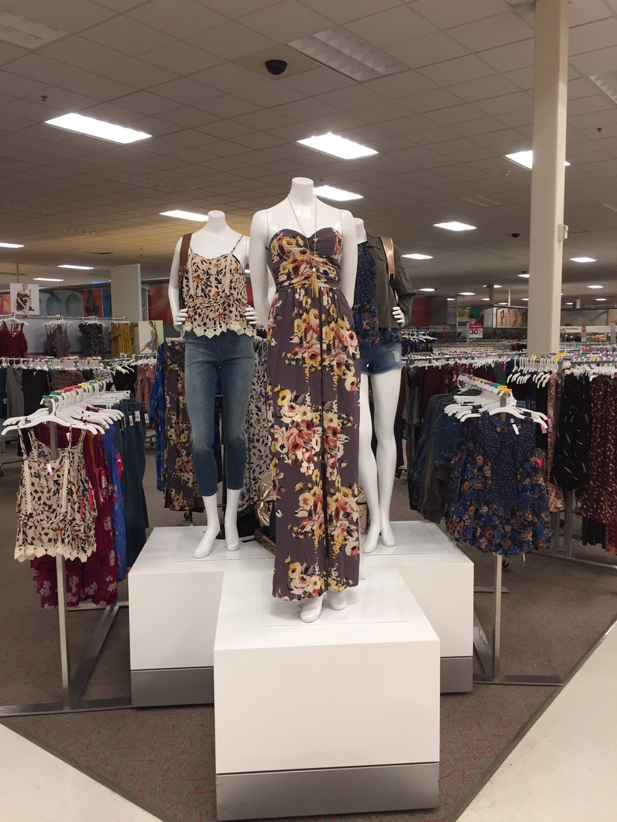 Cha cha changing it up here at 1377 #sales #target #d303 <br>http://pic.twitter.com/AkSAunEOiN