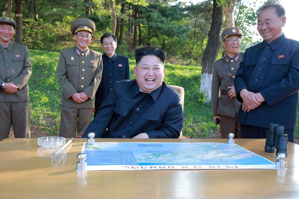 Coreia do Norte desenvolve programa nuclear 'em ritmo alarmante', diz CIA https://t.co/MgivONo5cQ