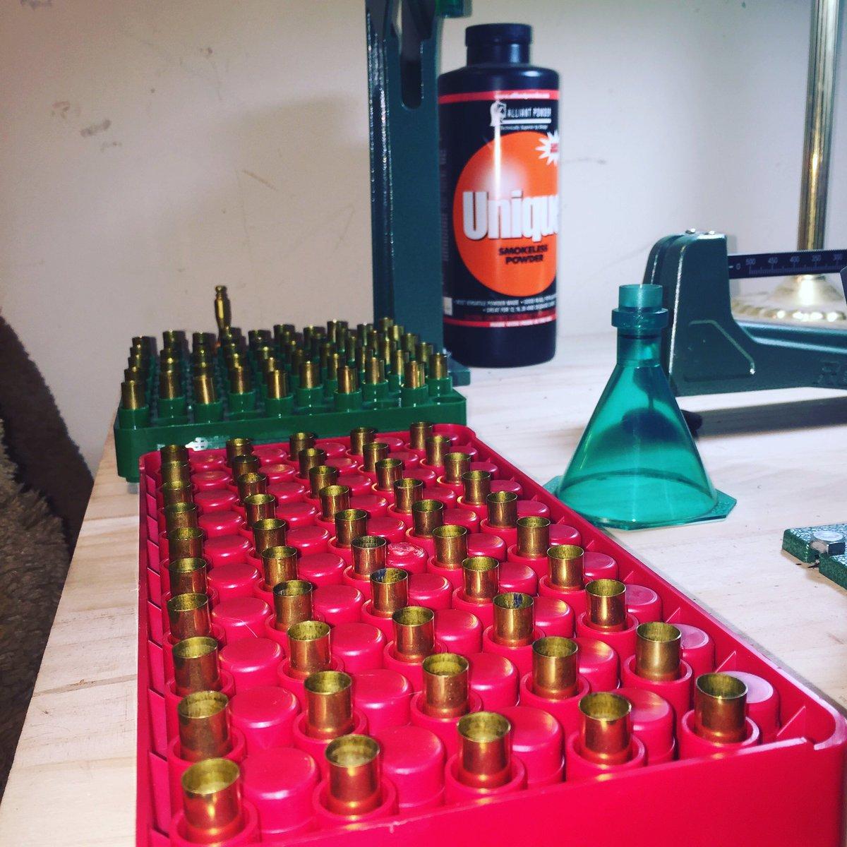 Sunday fun day reloading night. #reloading #bullets #rcbs @reloading2ammo #gun #ammo #uniquepowder #9mm #range #shooting <br>http://pic.twitter.com/N4DEcJ1b1o