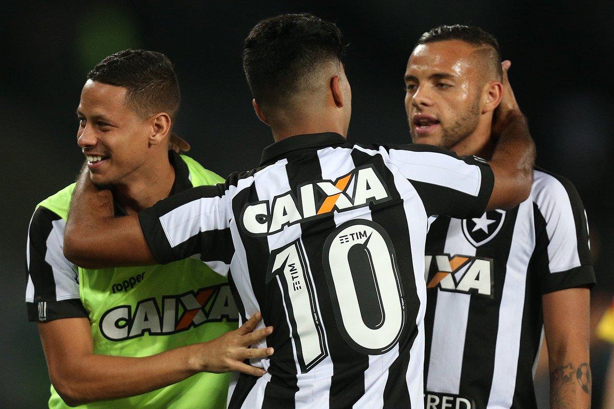 Deu FOGO! Com gol de Leandrinho, Botafogo vence o Grêmio por 1 a 0 no Nilton Santos!