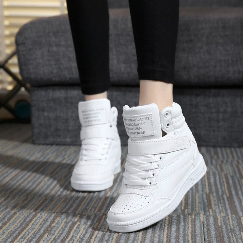 #fashionstyle #fashiondaily Women Casual Hip Hop Shoes  http:// freshandfitted.net/women-casual-h ip-hop-shoes/ &nbsp; … <br>http://pic.twitter.com/nN7HFNOZBQ