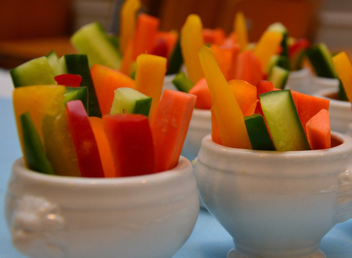 Kids won&#39;t eat their #veggies?  Try offering a larger range of vegetables rather than just one or two #FussyEater #HealthyKidsFood<br>http://pic.twitter.com/gjrzX0UA6D