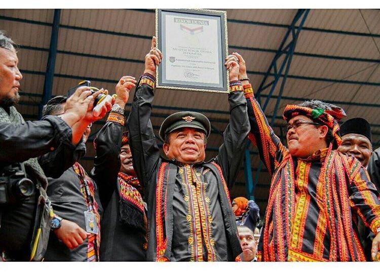 Pecahkan Rekor MURI, 12.262 Orang Menarikan Tari Saman di Gayo Leus http://fb.me/6xIcGtPgM #PesonaIndonesia