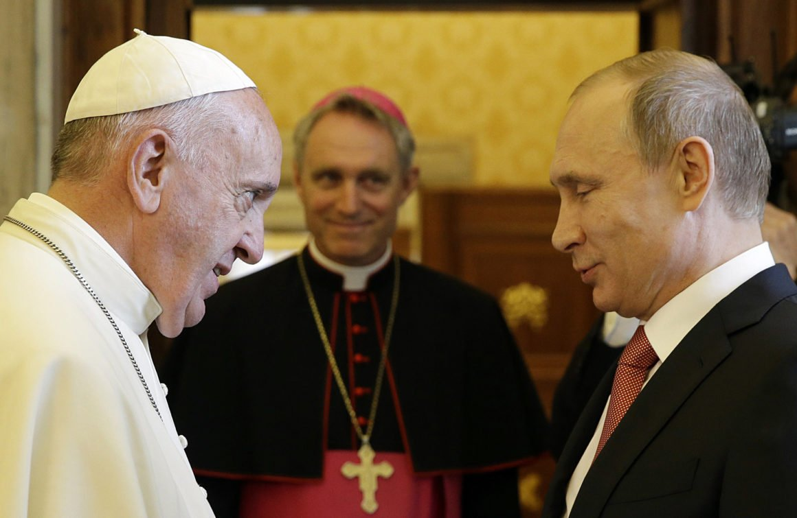 Vatican ties help Russia portray itself as bulwark of traditional values, in contrast to secularized Europe https://t.co/DeLyDYKgGQ