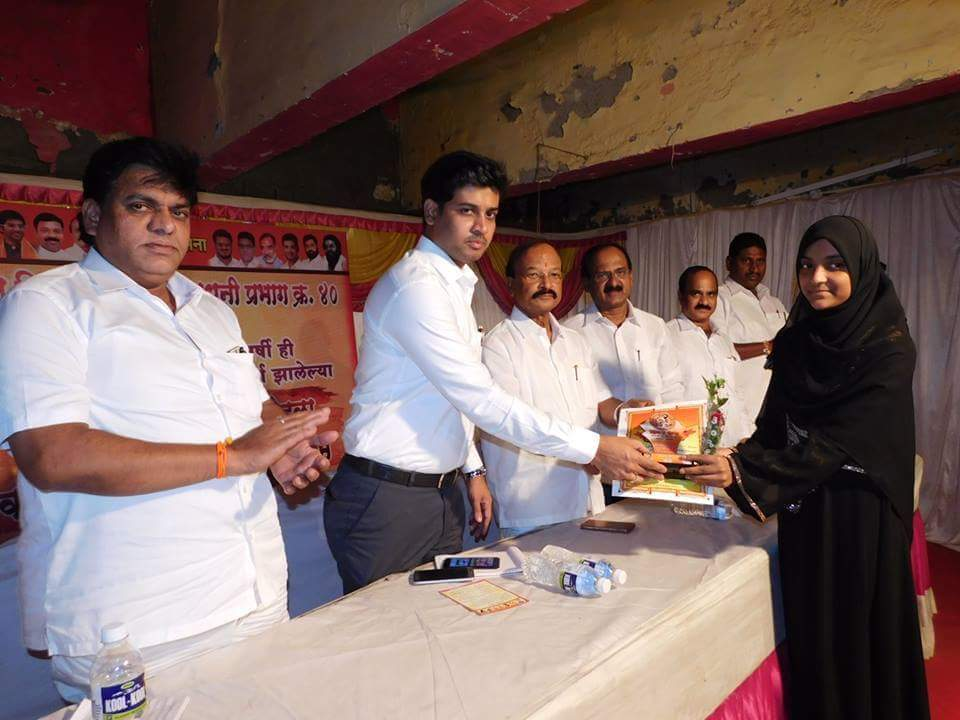 Senior citizens,students passed out with flying colours in SSC &amp; HSCexams were felicitated in program organised by #ShivSena Waldhuni Shakha <br>http://pic.twitter.com/630uEccfh8