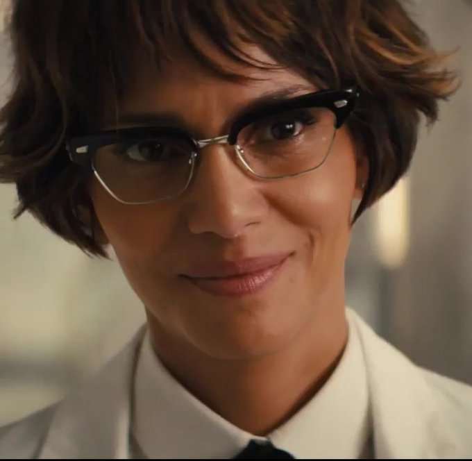 Happy birthday Halle Berry 51 years old today