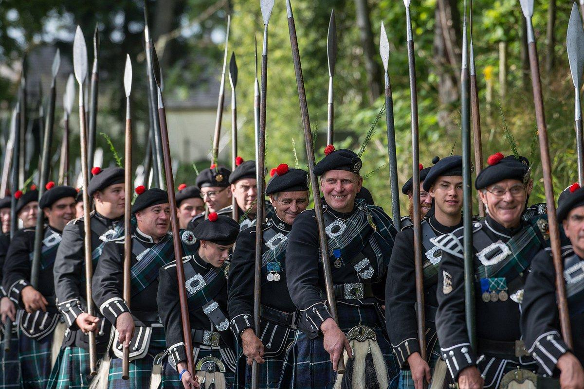 The day has arrived! Tonight, 75 Lonach Highlanders will make their debut at the #EdinburghTattoo. #Aberdeen #Aberdeenshire #ScotSpirit<br>http://pic.twitter.com/RPD9AviwCW