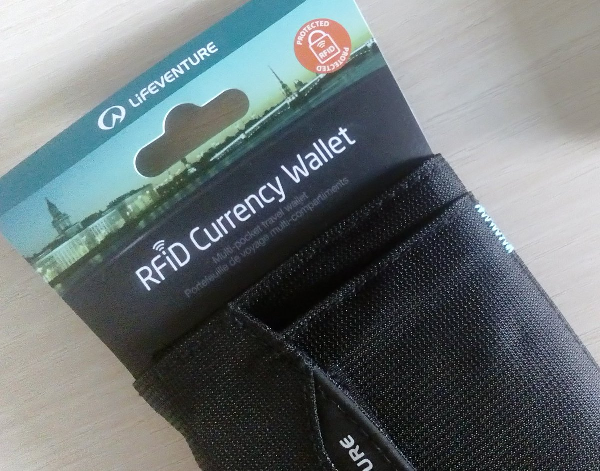 #rfid protected wallet :) #privacy<br>http://pic.twitter.com/KLJaaG2FZD