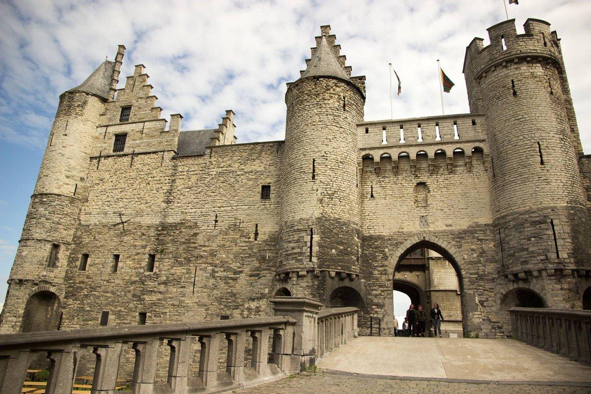 +++NEW VIDEO+++#Antwerp in 3 minutes:  https://www. youtube.com/watch?v=ZIcVHn w9KA8 &nbsp; …  #Belgium #MondayMotivation #travelblogger #Belgique #Antwerpen<br>http://pic.twitter.com/5IzA0Bxbcb