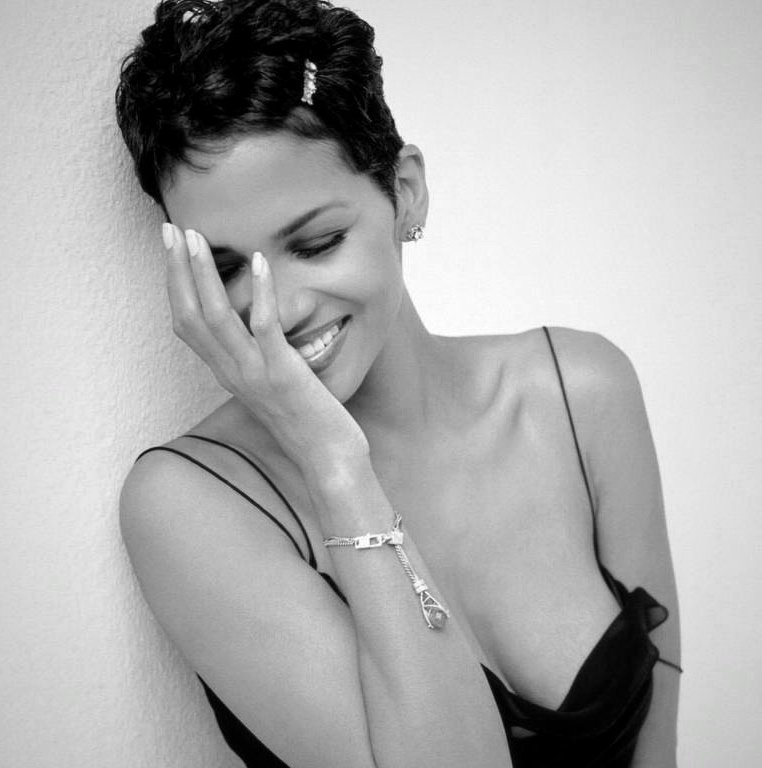 Happy 51st birthday to Halle Berry! She never ages
