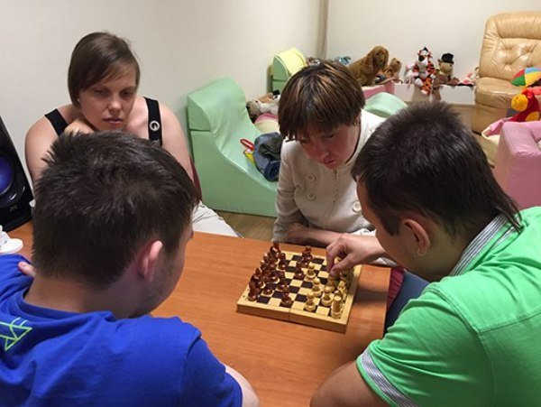 Играть в шахматы с живым игроком со всего света