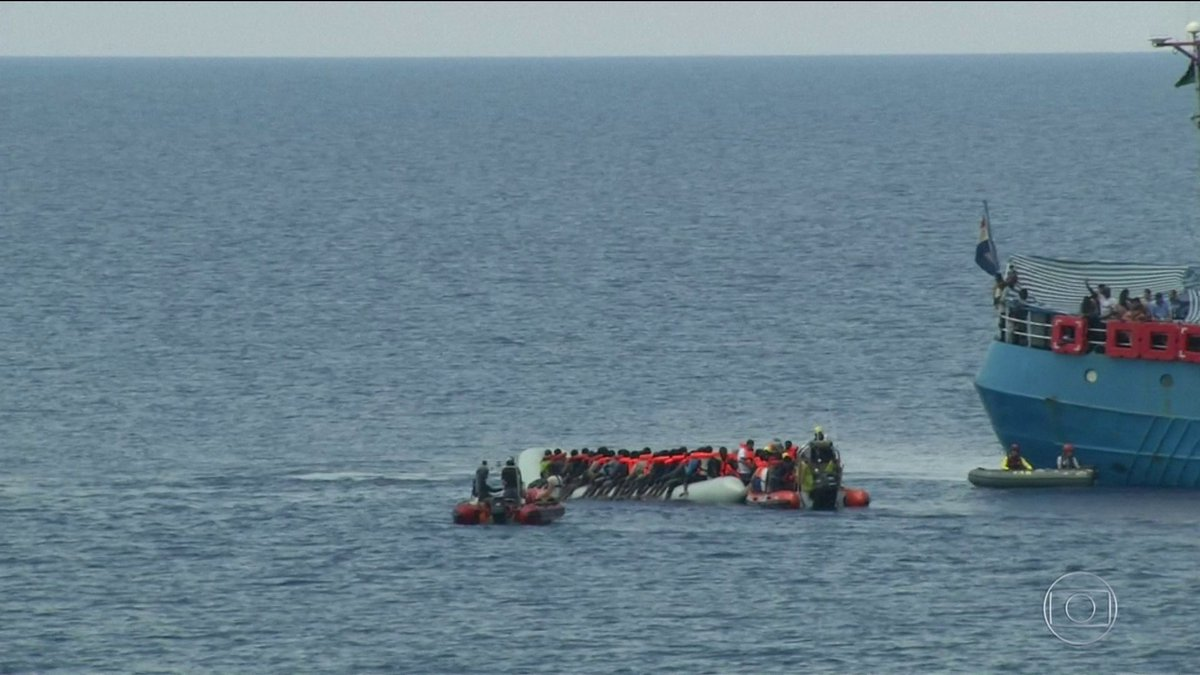 ONGs suspendem resgate de imigrantes no Mediterrâneo: https://t.co/BTDHxxM1zN