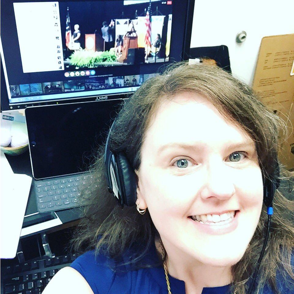 It's a selfie of me watching our awesome Chancellor take a selfie @ #nav1gateuncg #someta @uncg https://t.co/vWZFMb2l9V