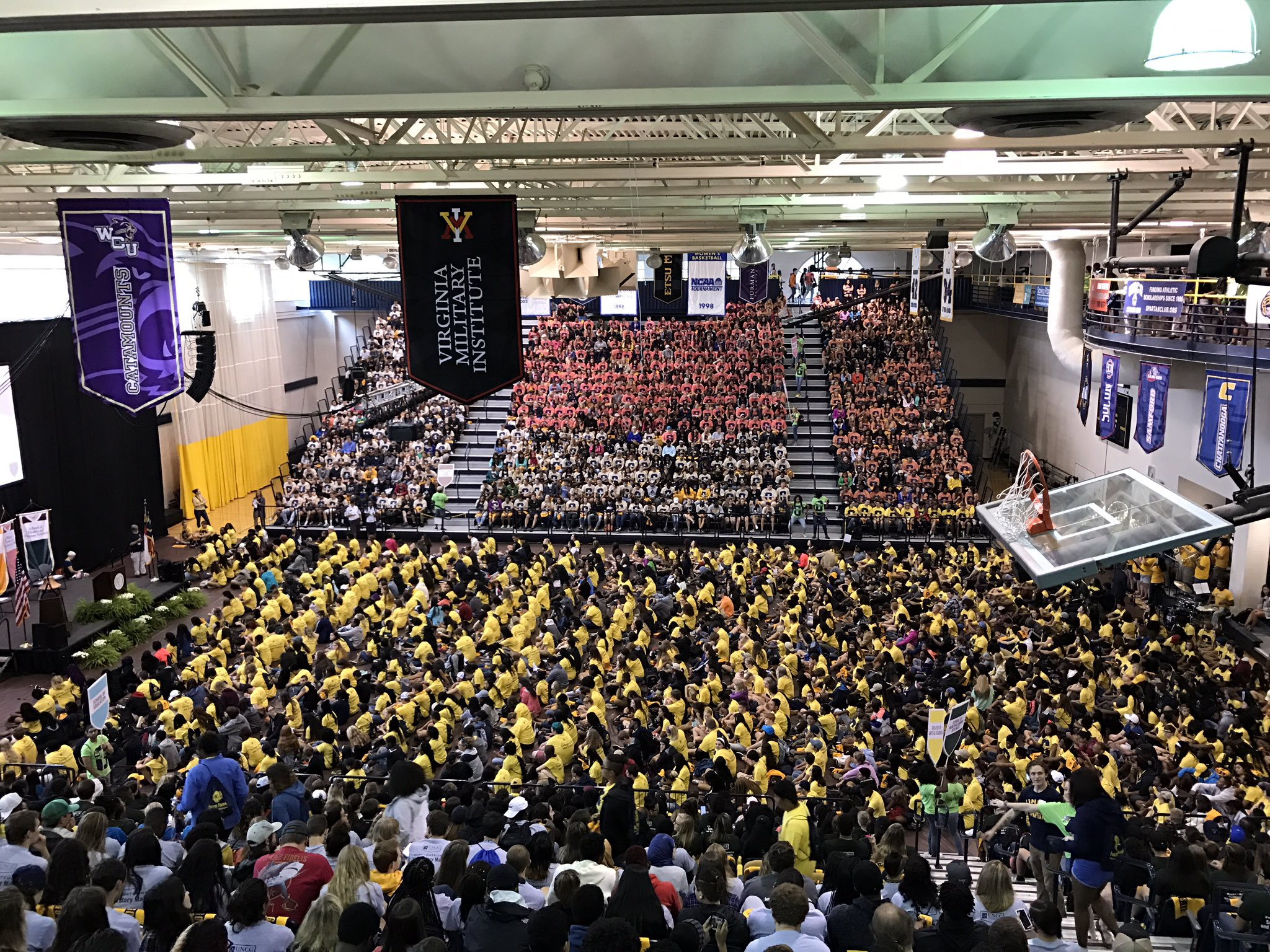 Great first look at our incoming students here at UNCG... #NAV1GATEUNCG #letsgoG https://t.co/Gjto4YeYVk
