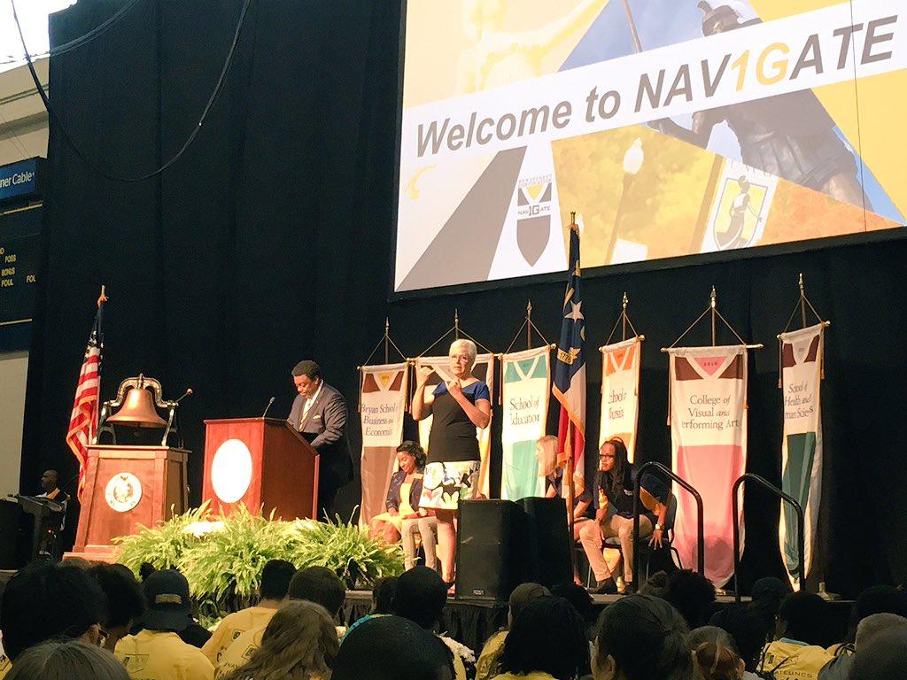 Kicking off Convocation Celebration with @UNCGChancellor. #NAV1GATEUNCG #UNCG125 https://t.co/61E2a1XCJ5