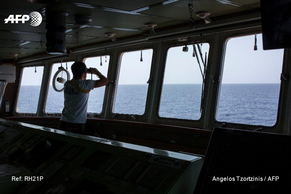 MEDITERRANEAN SEA - Lone migrant rescue ship keeps up patrols off Libya https://t.co/xXkojUKnVG 📷 @atzortzinis #AFP