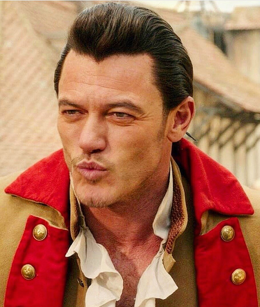 Congratulations @TheRealLukevans well deserved! I&#39;m so happy for you! #LukeEvans #choiceMovieVillain #BeautyAndtheBeast #Gaston #MyEdit<br>http://pic.twitter.com/wiLHoUX5RX
