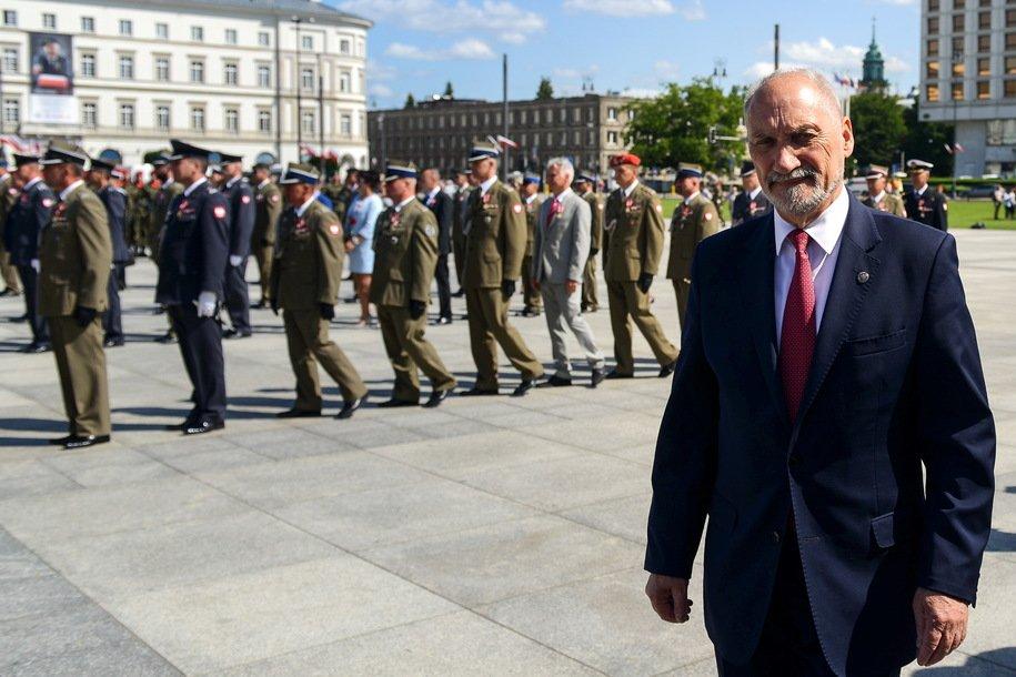 Міністр оборони Польщі: Грузія, Україна, Смоленськ – наслідки потурання імперіалізму Московії