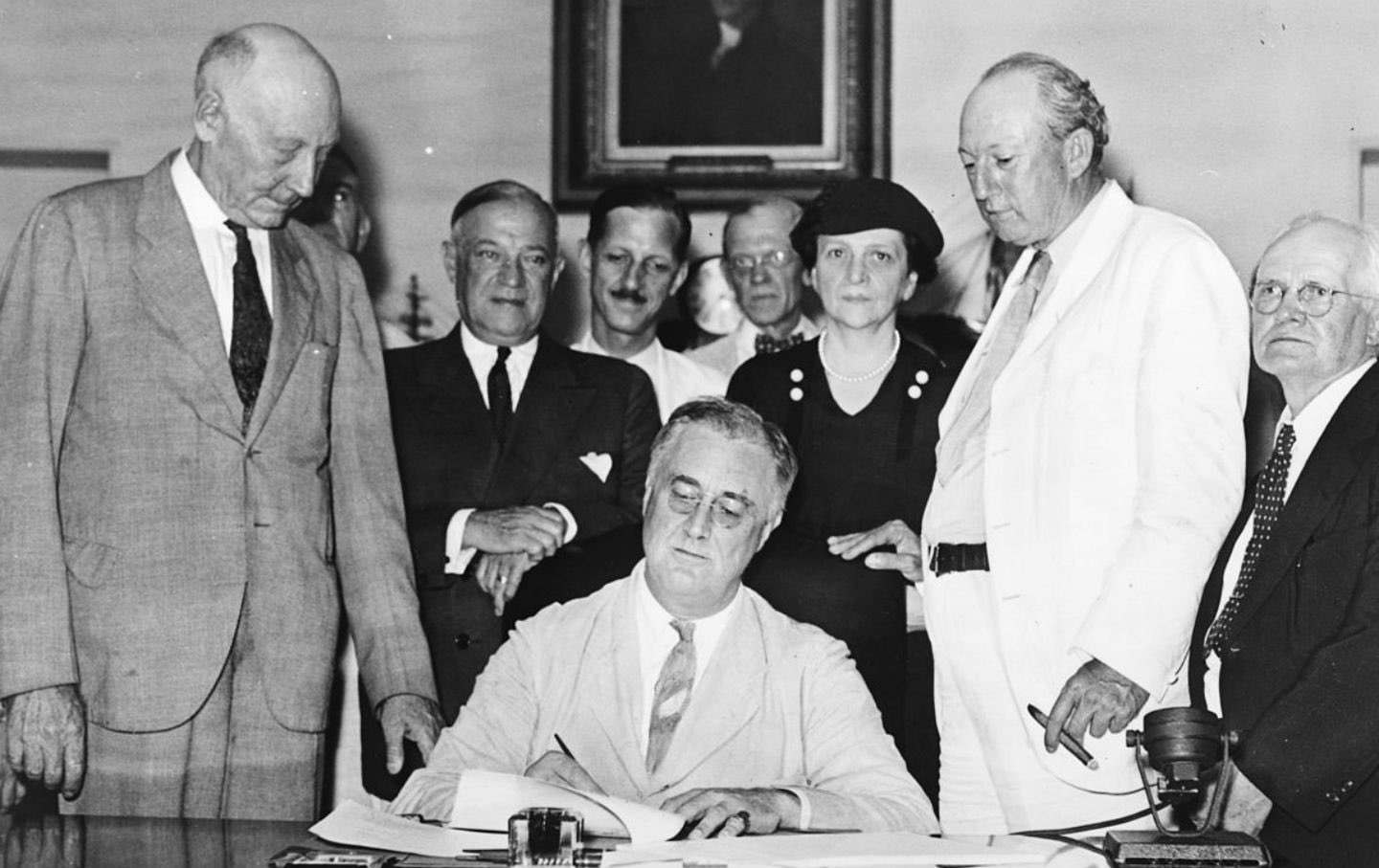 Today is #SocialSecurity' 82nd Anniversary! Here is what  FDR's Grandson has to say about the program: https://t.co/id4sh2Ip8D https://t.co/OGOP3EOMFC
