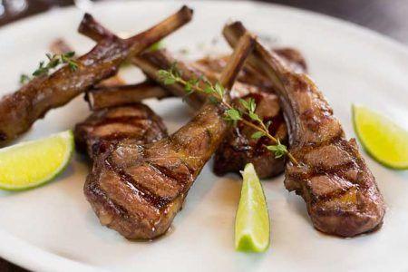 Hoje temos duas receitas de um ingrediente tradicional da culinária do Oriente Médio e do Mediterrâneo: cordeiro.  https://t.co/Hfo3aGMgC4