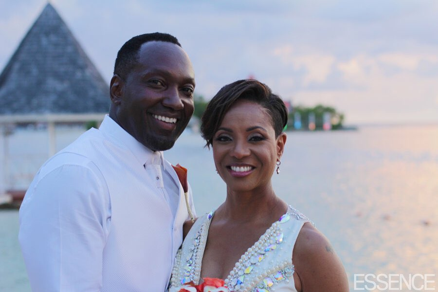 Congrats!! MC Lyte and John Wyche Tie the Knot in Jamaica #Essence  <br>http://pic.twitter.com/I26M4MuIhb