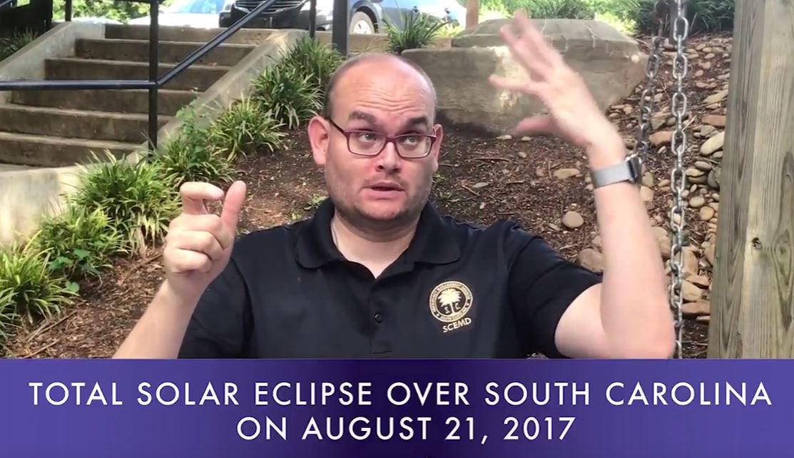 VIDEO: Popular ASL interpreter translates eclipse safety tips https://t.co/AjyeifgiLZ https://t.co/S1hNGl2pO7