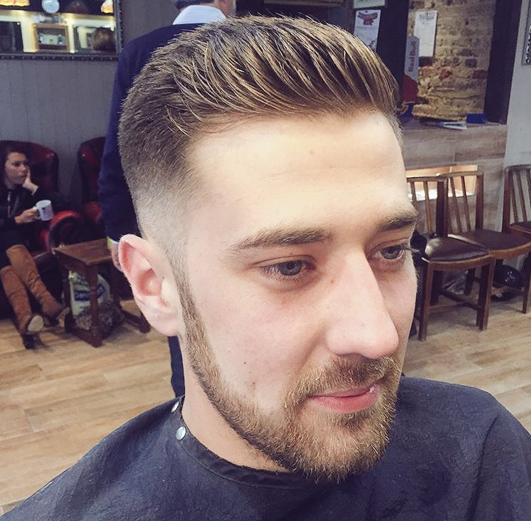 05 Fade With Texture On Top A Messy Quiff Beard Line Out Trim Cut Hair Barbershop Hitchinbarber Localbarber Hitchinpictwitter