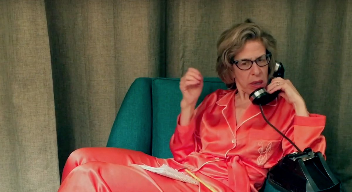 #Emmys: #Feud star @JackieHoffman16 offers to accept winner&#39;s trophy (Watch)  http:// bit.ly/2hXXiNI  &nbsp;  <br>http://pic.twitter.com/AywA6Bxo0h