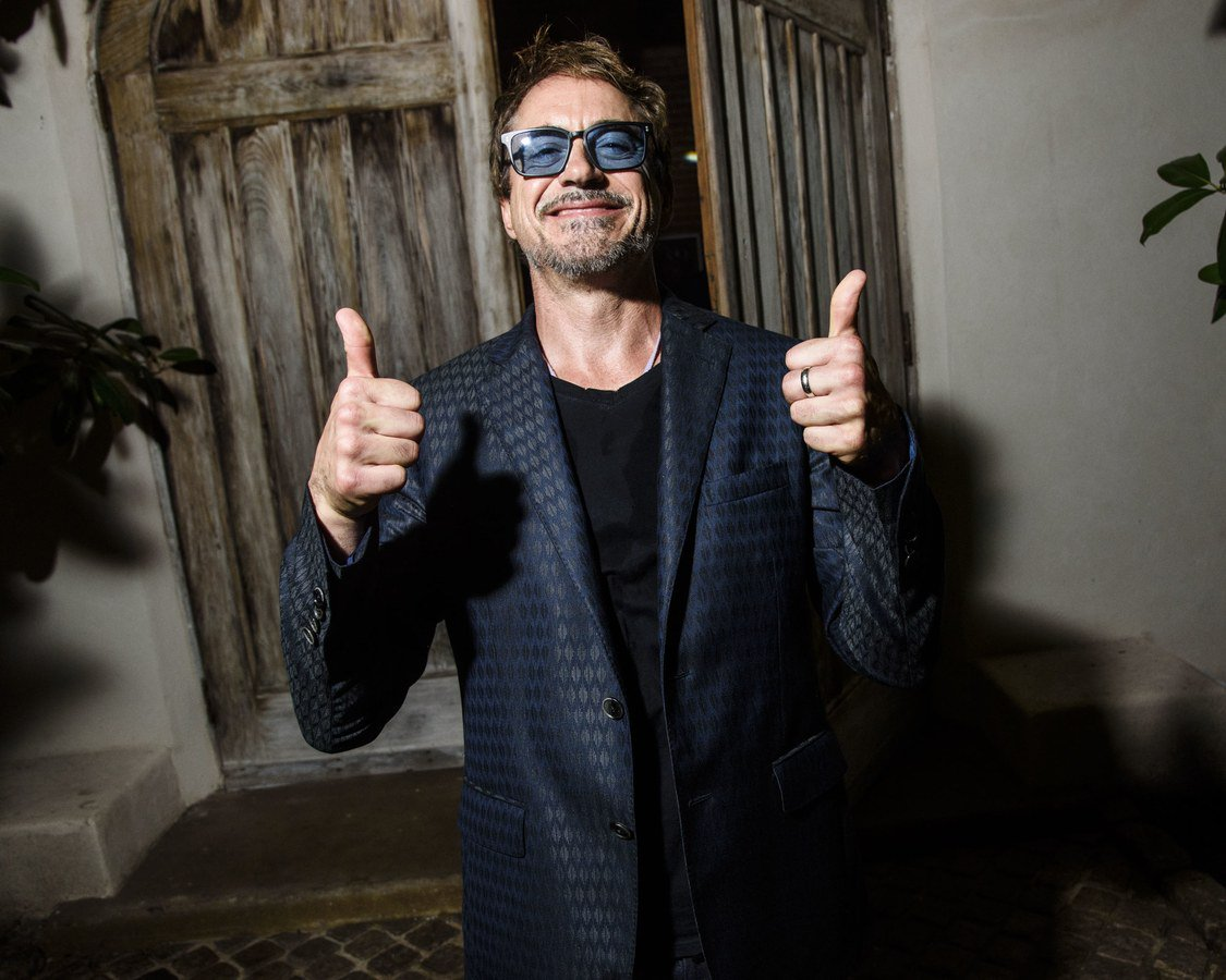 #NEW: Robert Downey Jr at the &#39;Apollo in the Hamptons 2017&#39; in New York <br>http://pic.twitter.com/wj5JVEZdPa
