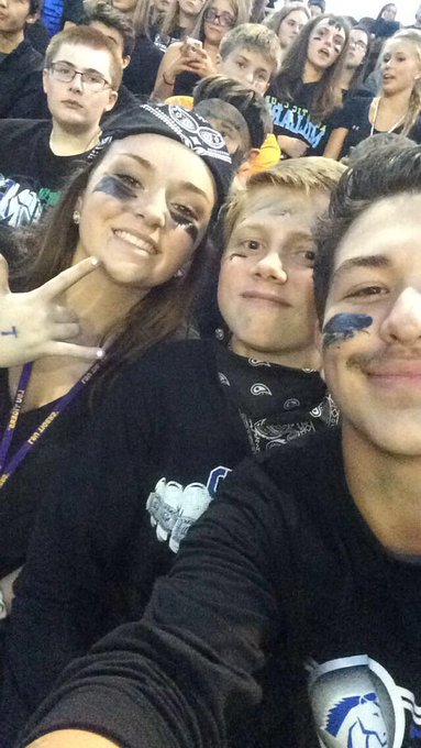 Happy birthday Courtney! Hope your day is great, much love for you