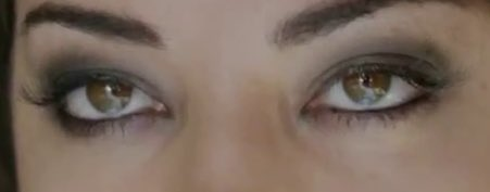 her eyes are so beautiful and her pupils are so small