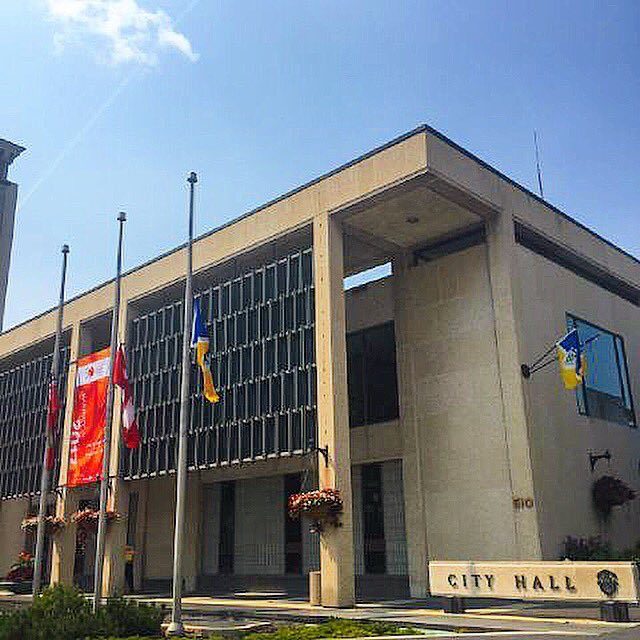 Combatting racism/hate is everyone&#39;s responsibility. Flags at #CityHall lowered to half-mast in honour of victims in #Charlottesville. <br>http://pic.twitter.com/nWUFrqQcHz