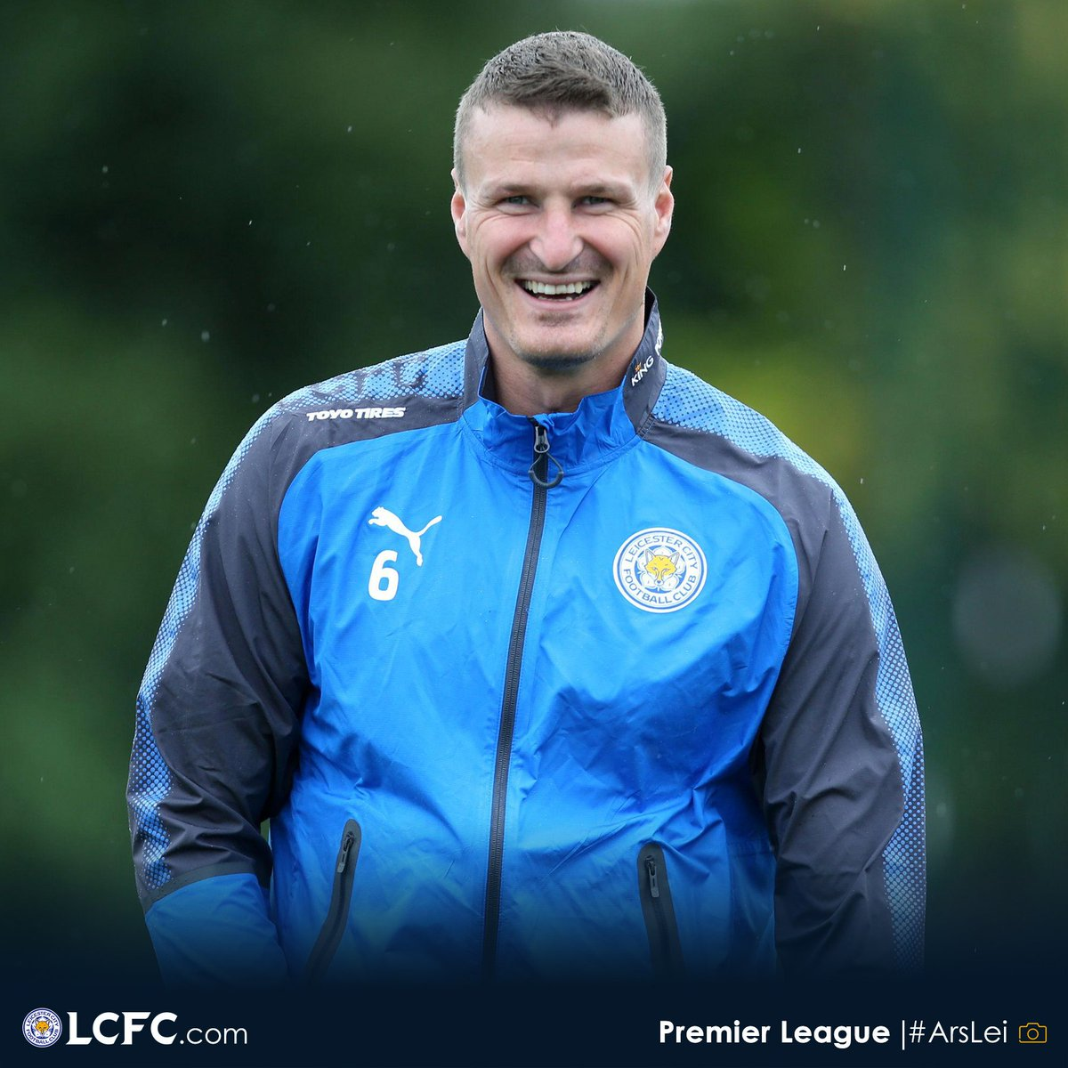 When fully fit, who partners Harry Maguire?  RT - Robert Huth  Like - Wes Morgan   #lcfc #BlueArmy #Huth #Morgan<br>http://pic.twitter.com/QzcsnJIvdE