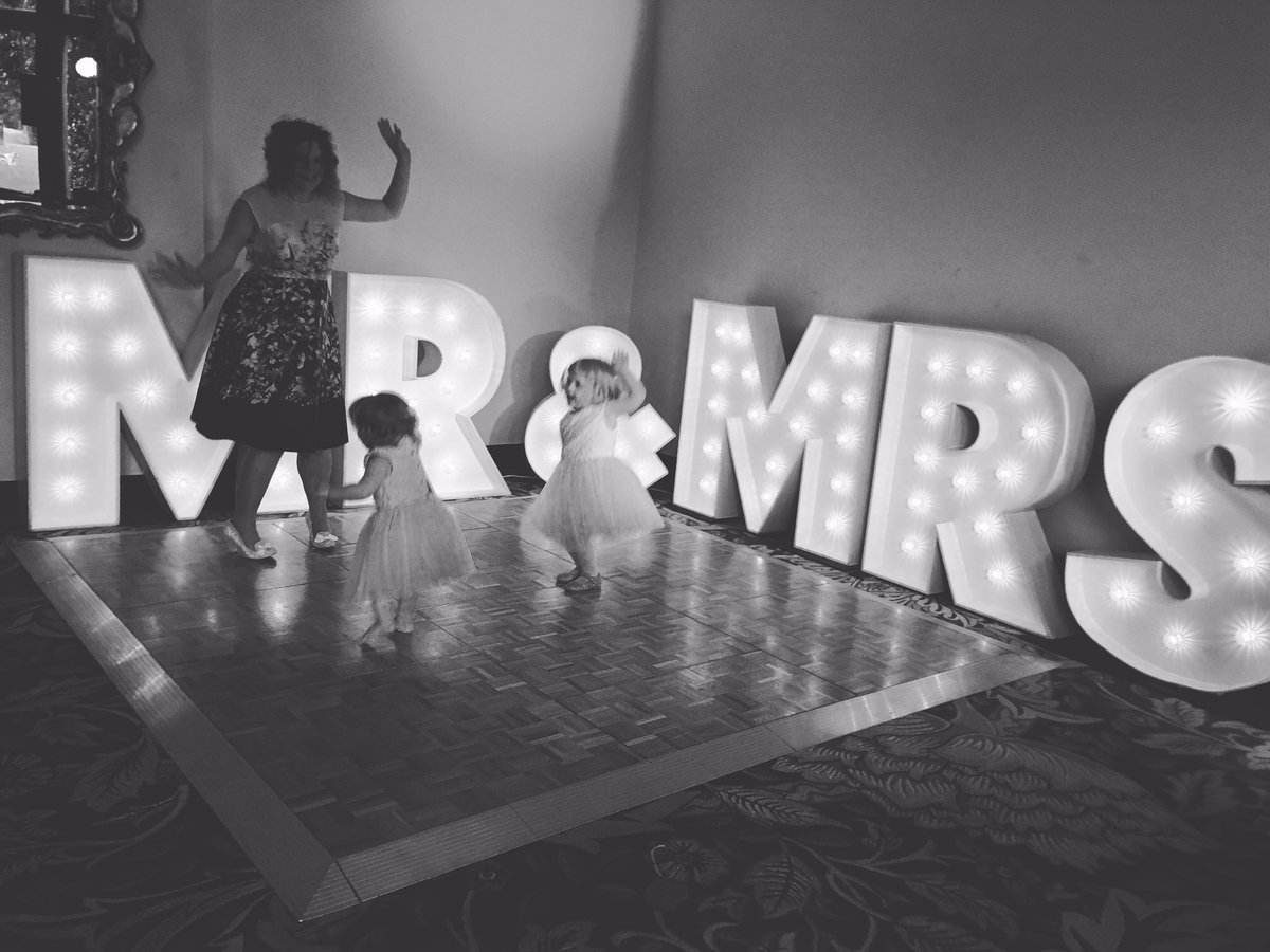 Light up letters #cheshire #cheshirehour #eventprof #eventlighting #knutsford #mr&amp;mrs<br>http://pic.twitter.com/q4AXIhGTmF