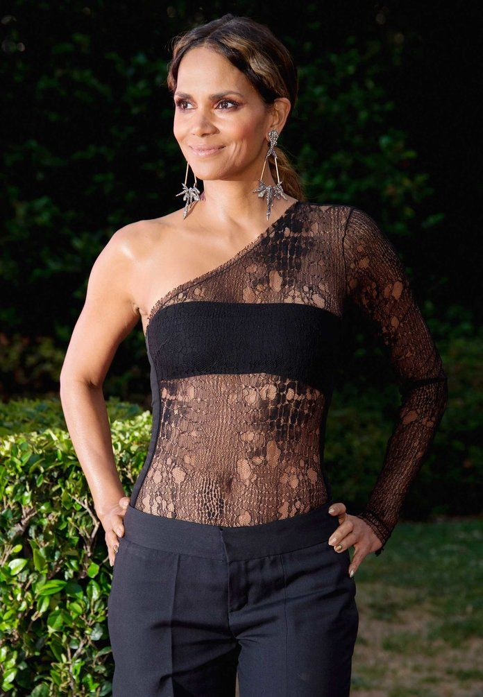 Happy birthday, Halle Berry! It s hard to believe this ageless star is turning 51 years old today: