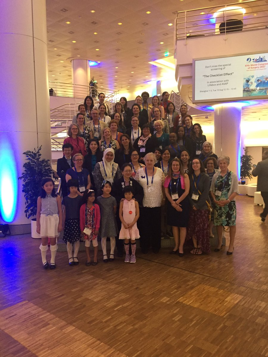 Greetings From Basel!  AWS/#JAWS women&#39;s networking breakfast at #WCS2017Basel<br>http://pic.twitter.com/kVBejhJ1Iq
