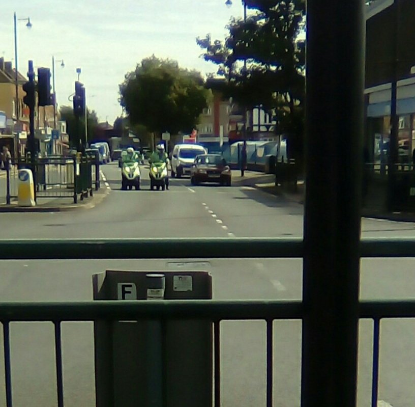 Visible presence this morning in #Upminster #Opvenice #NPT #Footpatrol with @MPSUpminster<br>http://pic.twitter.com/yzyc6FLhAv