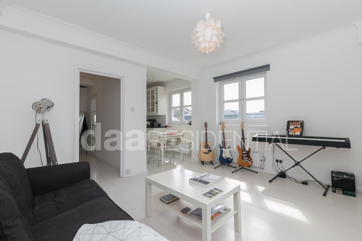 a 2bed #property #forsale in the popular Riverside Mansions #wapping! Top Floor Duplex,Gym,Porter &amp; Great #location!  http://www. daa-uk.com/property/river side-mansions-milk-yard-wapping-e1w-3tb/ &nbsp; … <br>http://pic.twitter.com/JUDPWXPIxC