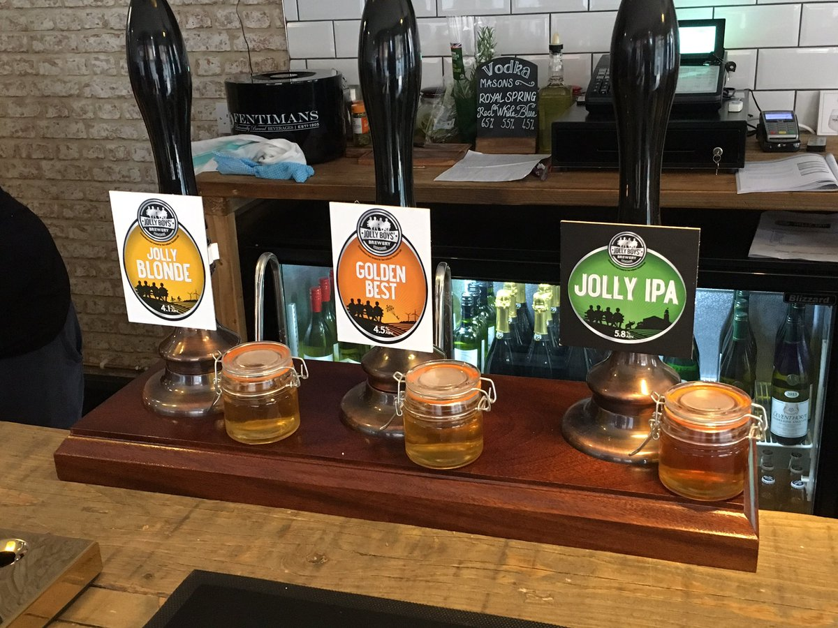 Enjoyed an excellent night at @JollyTap with @ArmsWentworth @TwoRosesBrewCo & @Tea_up @WakefieldCamra @BarnsleyCAMRA