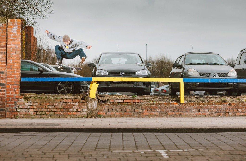 Dom Henry switch frontside flip #CJ #Manchester @keendist @ShinerDist #sidewalkmag #ukskateboarding<br>http://pic.twitter.com/MS3BHQh9qW