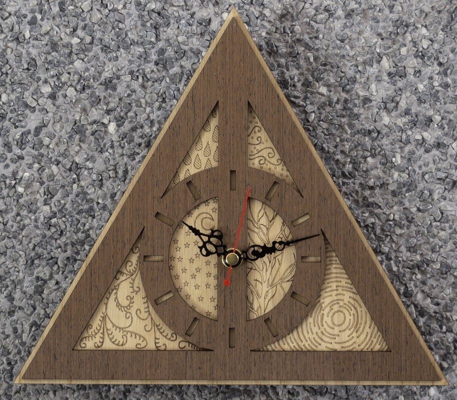Handmade #DeathlyHallows clock in wood #HarryPotter #MarketingDigital #GiftsIdeas #TimeTurner  -  https://www. etsy.com/listing/255183 978/deathly-hallows-wood-clock-inpired-by &nbsp; … <br>http://pic.twitter.com/YC6C0DtWC9