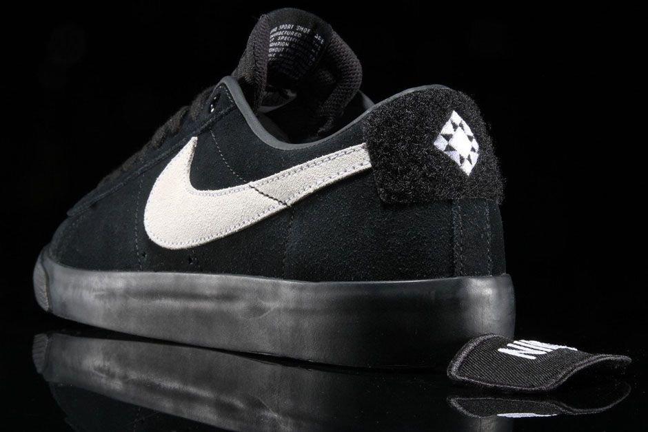 premium selection c5d2b 7857a Sneaker News on Twitter: