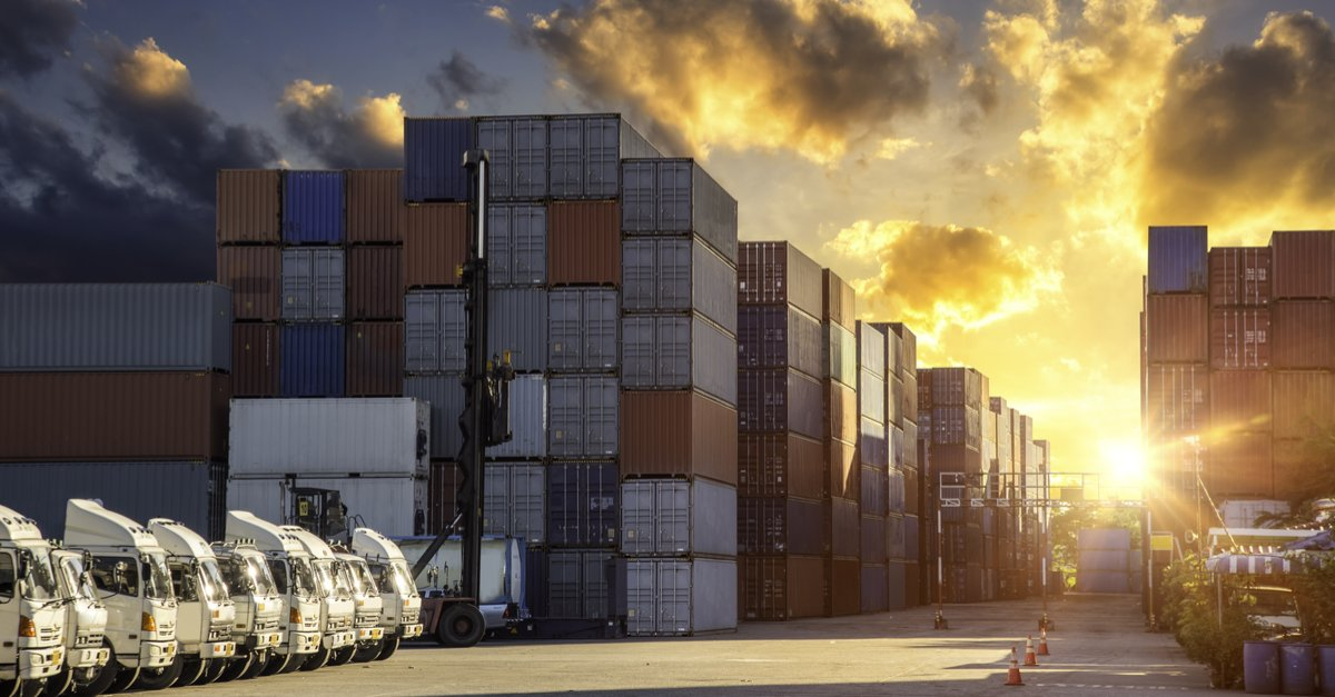 #SME in the transportation &amp; distribution sector feeling optimistic about the industry as it prepares for #Brexit  http://www. midlandsassetfinance.co.uk/confidence-tra nsportation-industry-soars-ahead-brexit/ &nbsp; … <br>http://pic.twitter.com/Rcrk70MYZI