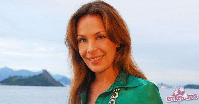 Carolina Ferraz relembra famoso bordão Eu sou rica! e afirma: - Caiu em desuso https://t.co/gxPKFxovCa