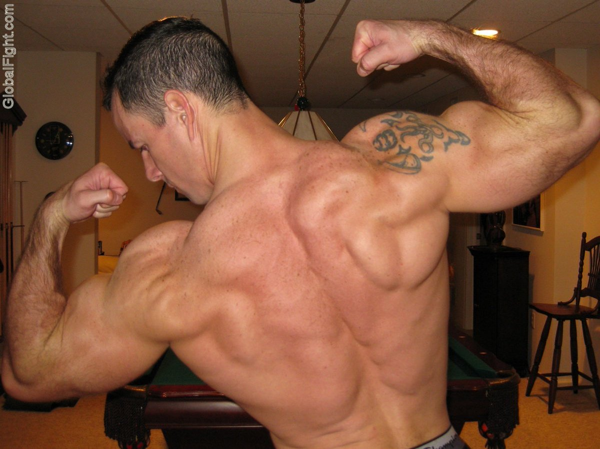 My muscle flexing bud from  http:// GLOBALFIGHT.com  &nbsp;   #muscle #man #flexing #big #lats #huge #delts #deltoids #woof #wow #amazing #pictures #tx<br>http://pic.twitter.com/UPGrsdzMJC