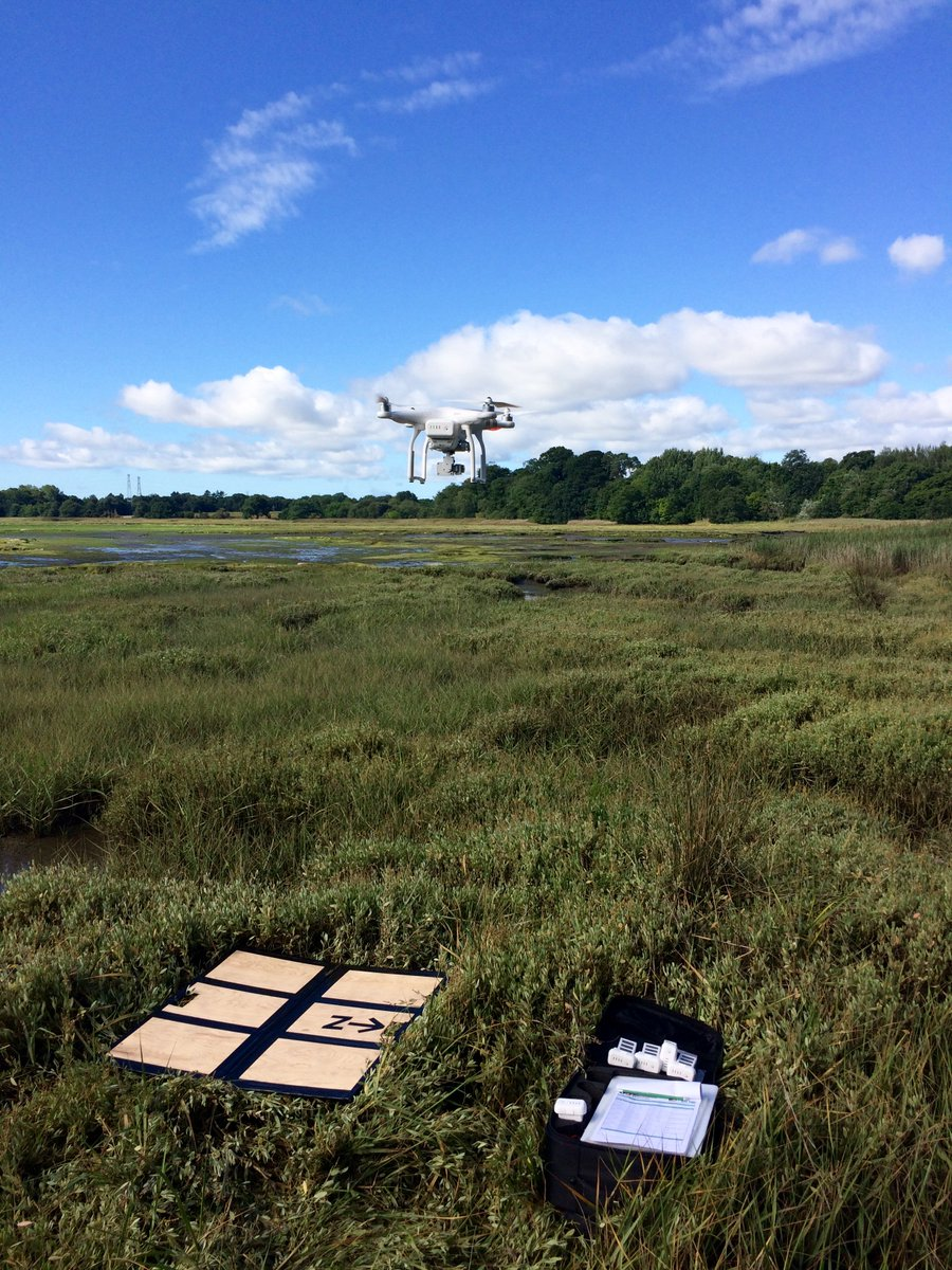 Conducting #drone #surveys of algal mat coverage in Poole Harbour today for @NaturalEngland. Great tool for landscape #habitat #assessment <br>http://pic.twitter.com/UJAneqSBvI