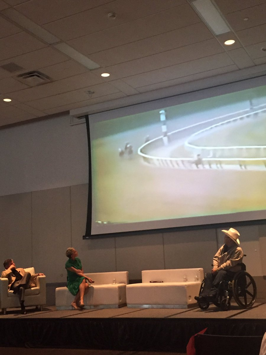 Watching Ron Turcotte watch Secretariat&#39;s Belmont. Does it get any better than this? #awesome #EQCon17<br>http://pic.twitter.com/8yD21Icddb