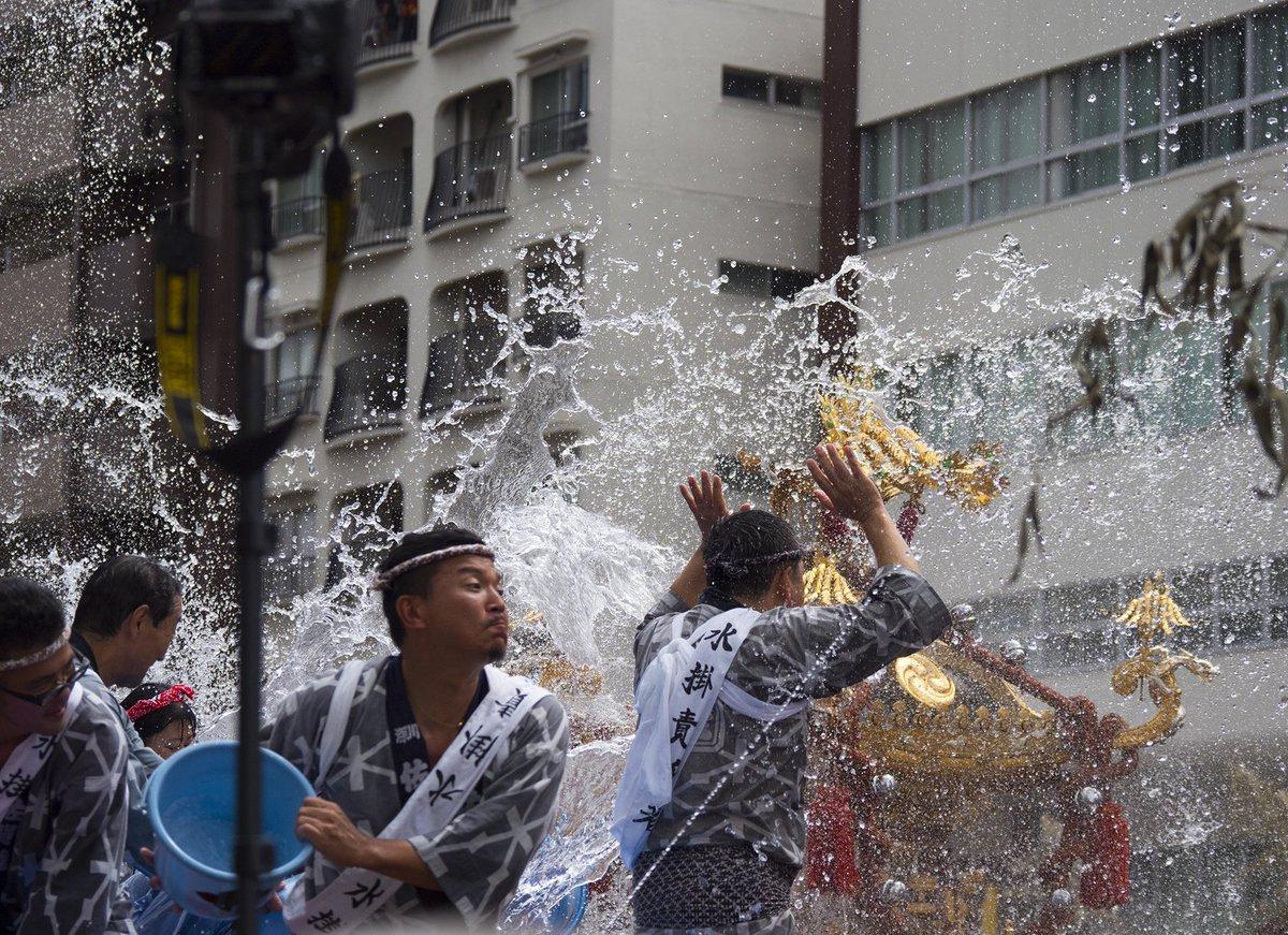 濡れるなんてもんじゃなかった>ブログ更新: 深川八幡祭りは防塵防滴カメラで撮れるのか  https://t.co/171VPQv61v https://t.co/dvcazFzjFT