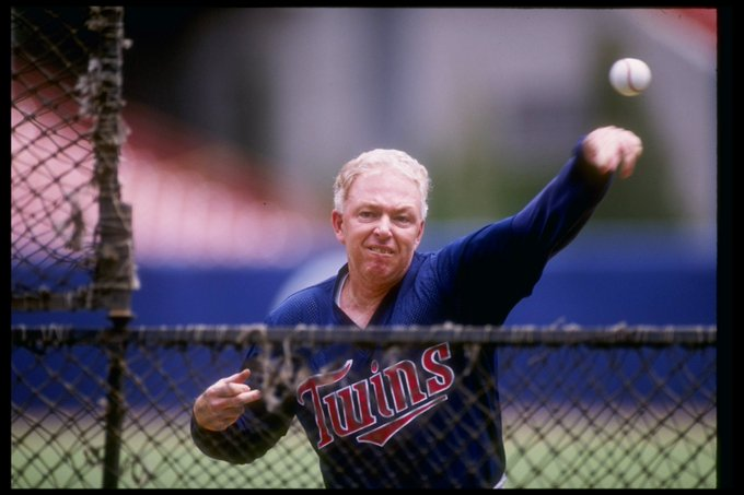 Happy birthday to former Minnesota Twins manager Tom Kelly!