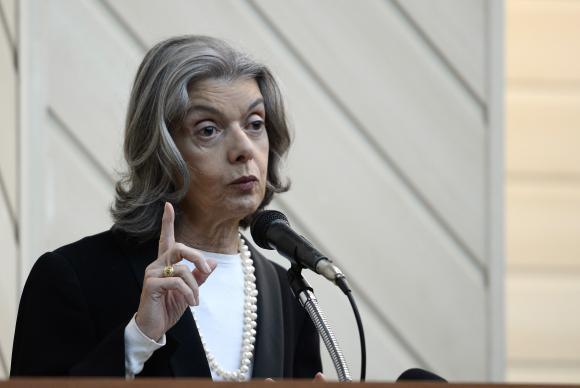 Presidente do STF diz que, se depender dela, Brasil dará um basta à corrupção.📷 Tânia Rêgo/Arquivo/ABr https://t.co/PZqMoczxCU